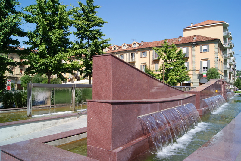 Alba - the fountain on piazza Savona