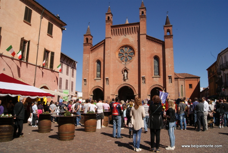 Streetfood on piazza Risorgimento