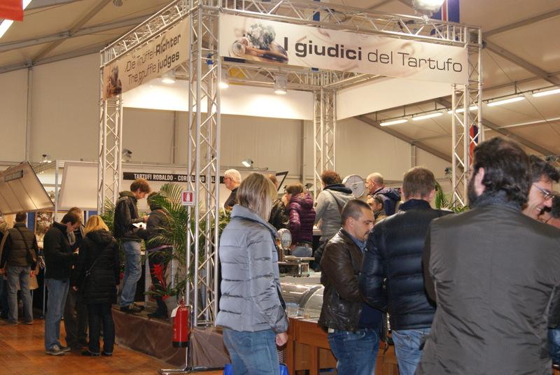 Mercato Mondiale del Tartufo Bianco, Alba, Włochy