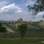 Cantina Rivetto - widok na Serralunga d'Alba
