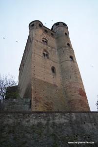 zamek w Serralunga d'Alba