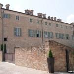 Castello di Barbaresco (zamek w Barbaresco), Piemont, Włochy