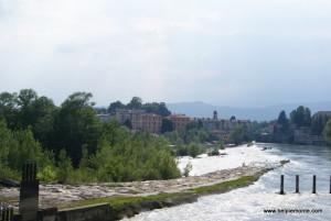 Ivrea z perspektywy rzeki