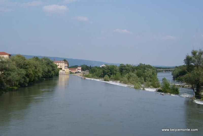 rzeka Dora Baltea i morena la Serra