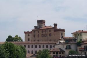 zamek (castello) Barolo, Piemont, Włochy