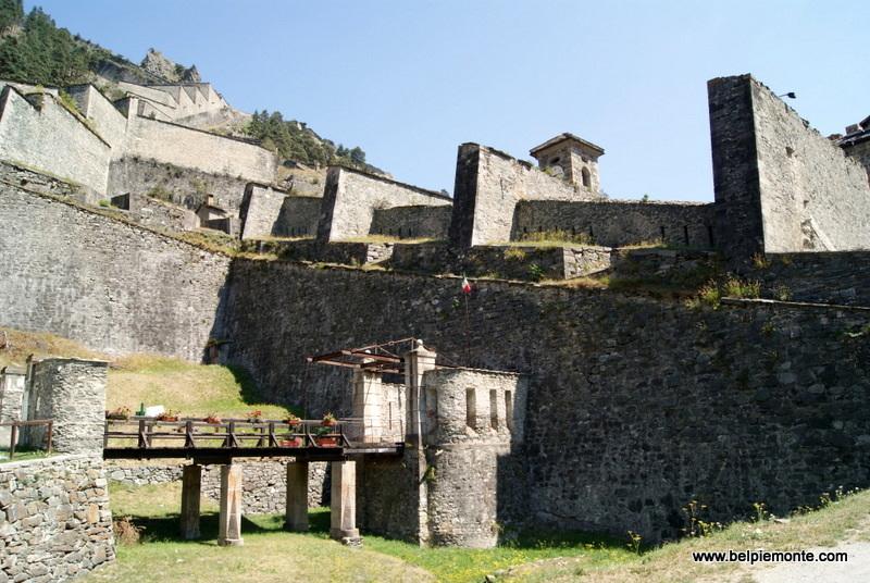 Forte di Fenestrelle - wejście do fortu