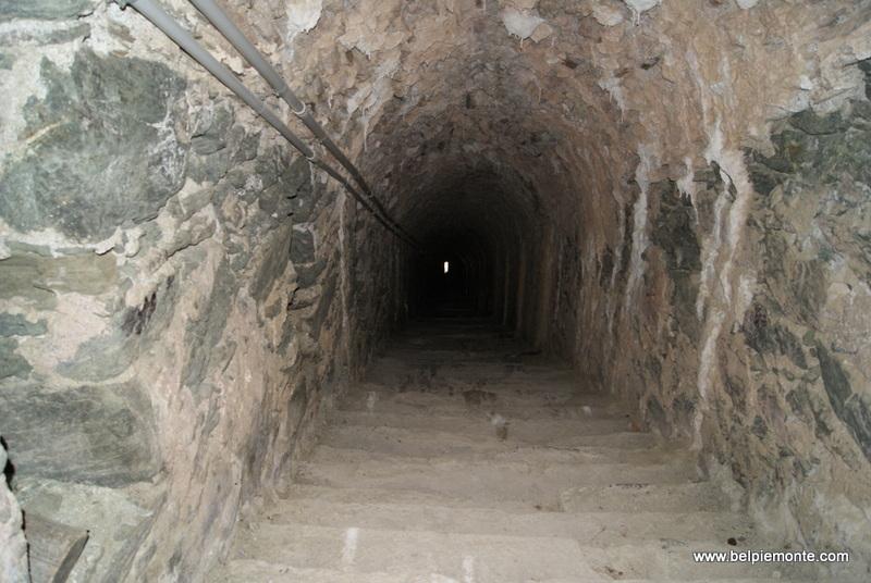 Forte di Fenestrelle - kryte schody
