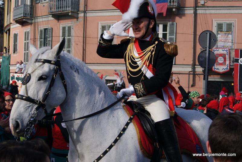 Ivrea, Piemont, Włochy, Generał podczas karnawału