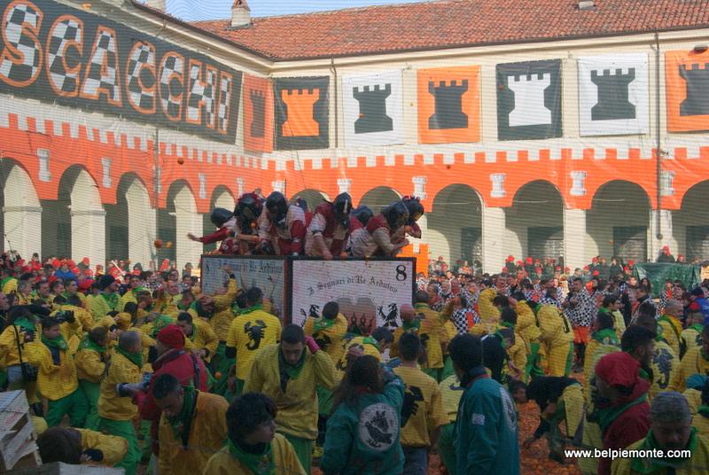 Ivrea, Piemont, Włochy, bitwa na pomarańcze