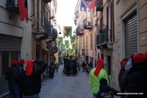 uliczka Ivreai podczas karnawału