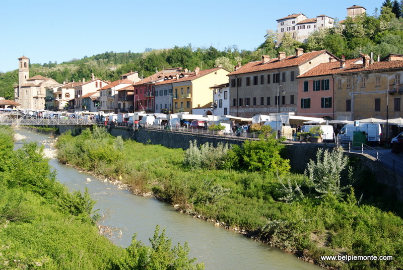 miasteczko Dogliani w Piemoncie, Włochy