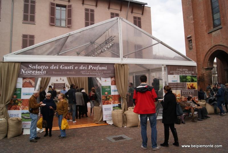 Degustacje smakołyków z Langhe i Roero, Alba, Piemont, Włochy