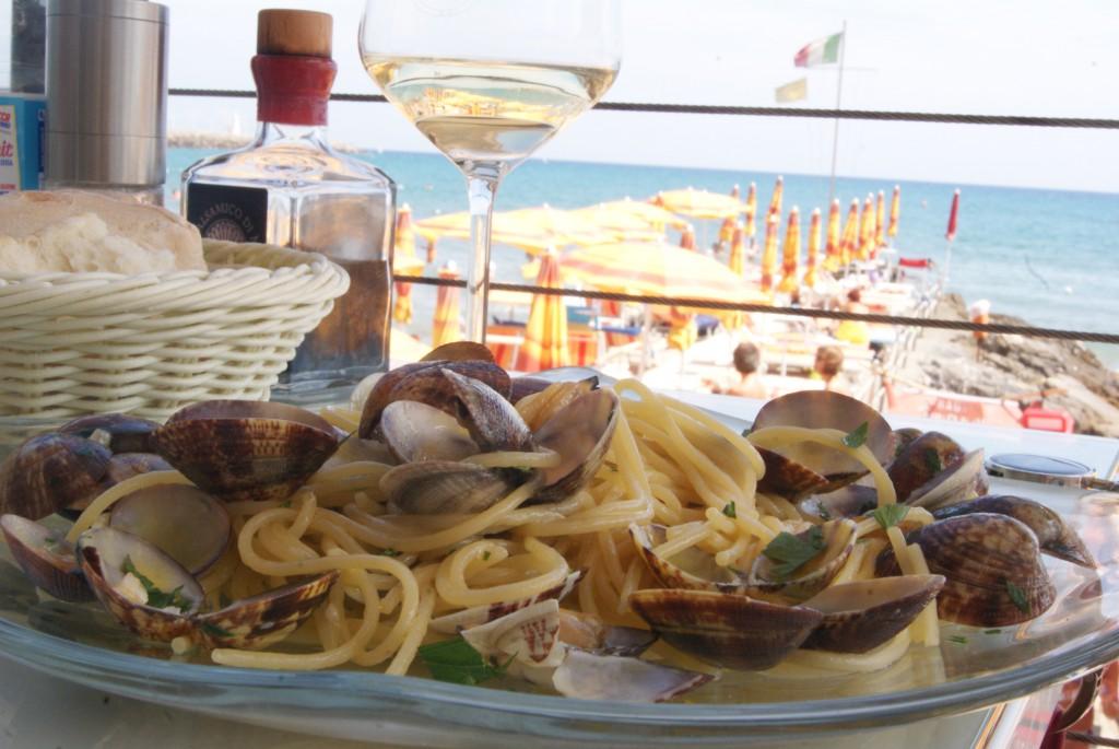 Spaghetti alle vongole w Ligurii, Włochy
