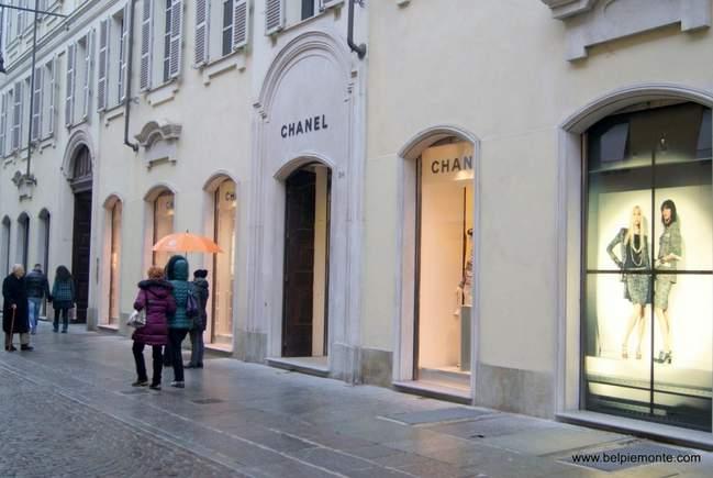 Chanel butik w Turynie, Włochy